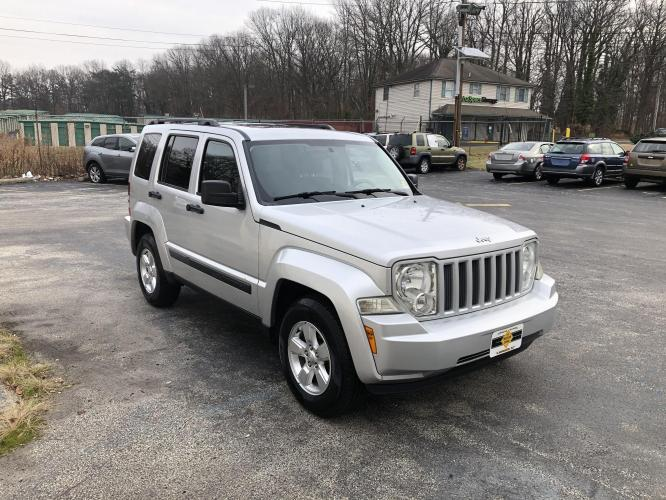 2011 Silver Jeep Liberty (1J4PN2GK0BW) with an V6, 3.7 Liter engine, Automatic, 4-Spd w/Overdrive transmission, located at 341 N White Horse Pike, Lawnside, NJ, 08045, (888) -696, 39.855621, -75.027451 - Photo #0